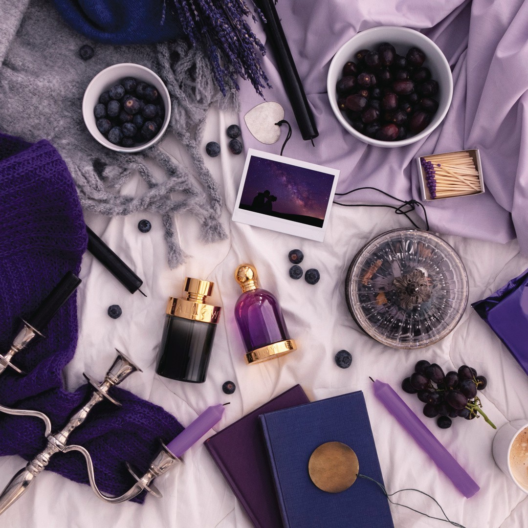 Tenemos gustos similares, compartimos aficiones y por supuesto, Halloween 😄. 🍇 We have similar tastes, we share hobbies and of course, Halloween. 😄 #HalloweenPerfumes
